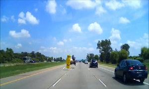 Tai nạn bất ngờ trên cao tốc