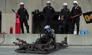 Tay đua F1 ngán ngấm với đội ngũ kĩ thuật