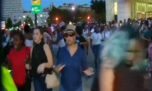 Người biểu tình bỏ chạy trong vụ bắn cảnh sát ở Mỹ