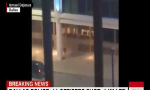 Nhân chứng quay phim cuộc đối đầu giữa cảnh sát Mỹ và tay súng