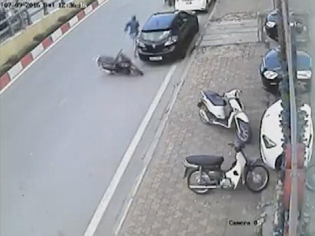 Trộm xe vứt SH bỏ chạy trối chết ở Hà Nội