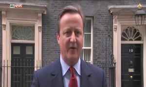 Thủ tướng Anh ngân nga hát sau tuyên bố từ chức