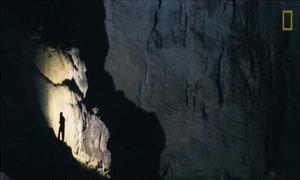 Bên trong hang động tự nhiên lớn nhất thế giới
