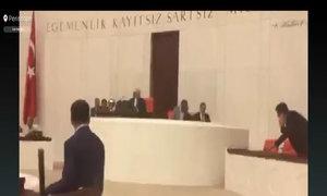 Nổ bom ở toà nhà Quốc hội Thổ Nhĩ Kỳ