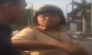 Cảnh sát đánh tài xế ôtô sau khi bị nói 'ăn tiền'