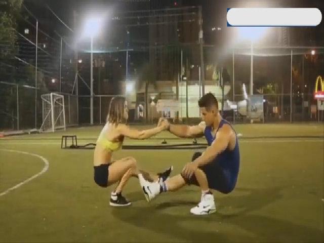 Cặp đôi phòng gym với body chuẩn