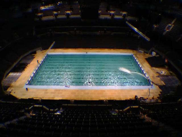 Mỹ xây bể bơi chuẩn Olympic dài 50 m trong 10 ngày