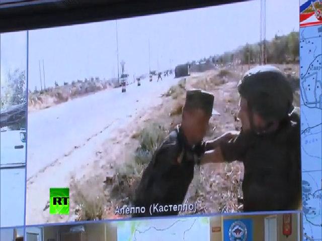 Sĩ quan Nga tránh đạn khi đang truyền hình trực tiếp ở Syria
