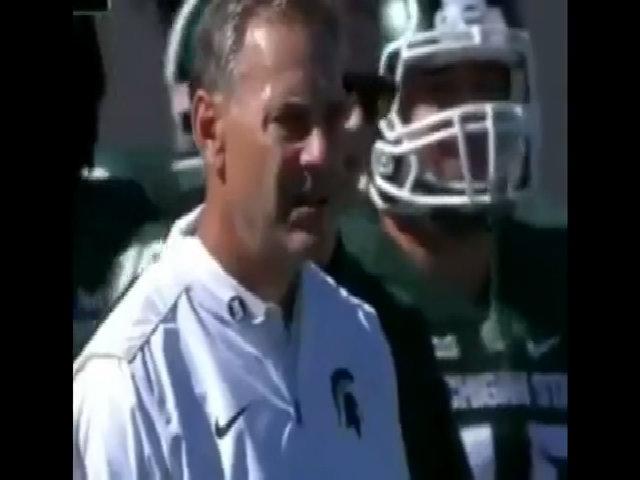 Huấn luyện viên Mỹ 'biến mất' lúc truyền hình trực tiếp
