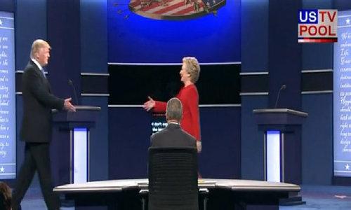 Donald Trump và Hillary Clinton bước vào cuộc tranh luận trực tiếp