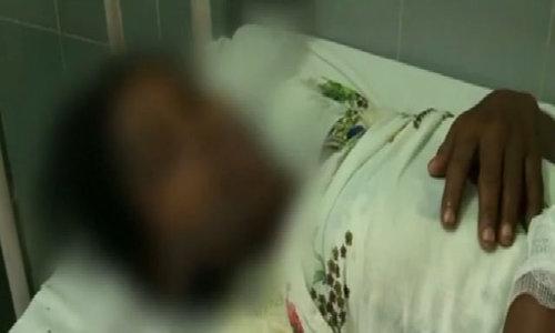 Nạn nhân hiếp dâm ở Ấn Độ bị tạt axit vì không rút đơn kiện