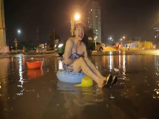 Nhạc chế màu mưa trên thành phố Hồ Chí Minh