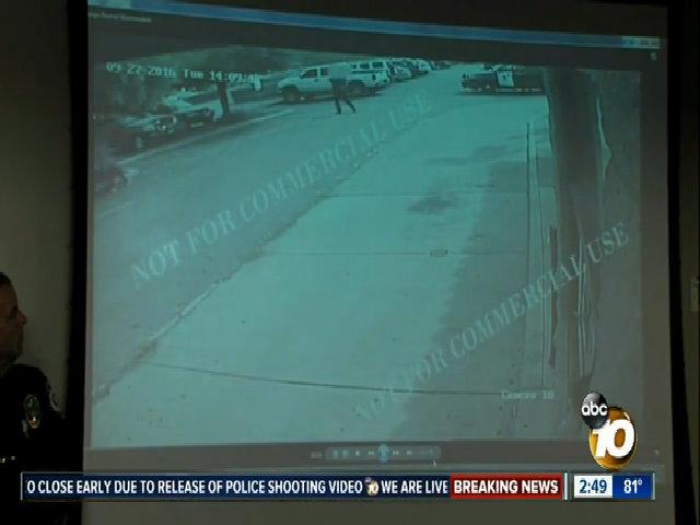 Mỹ công bố video cảnh sát bắn chết người da màu ở California