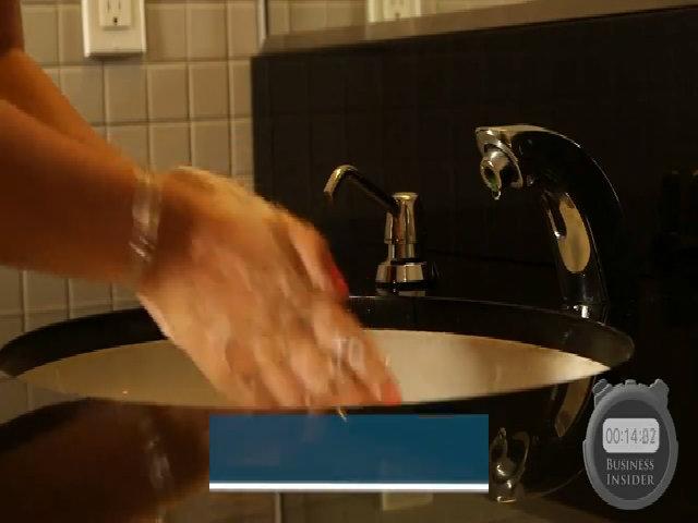 Cách rửa tay giúp loại bỏ 99% vi khuẩn