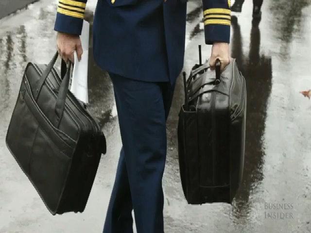 Bên trong chiếc valy hạt nhân bất ly thân của tổng thống Mỹ