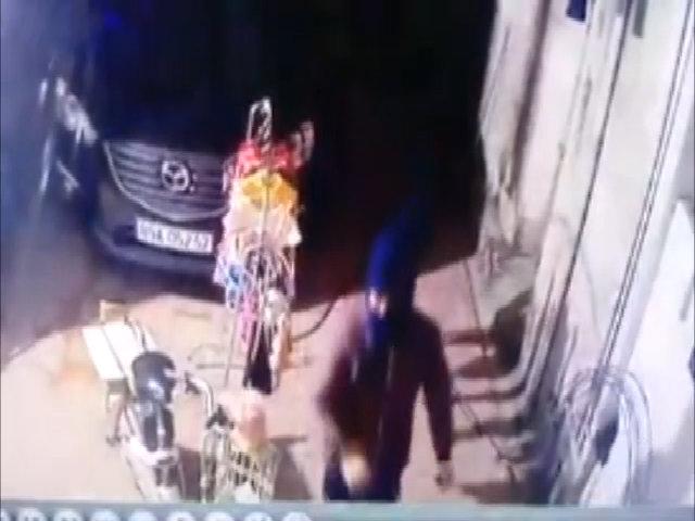 Tên trộm SH chế nhạo chủ nhà 'thất thủ' khi lắp camera