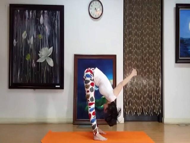 Yoga giảm mỡ bụng.