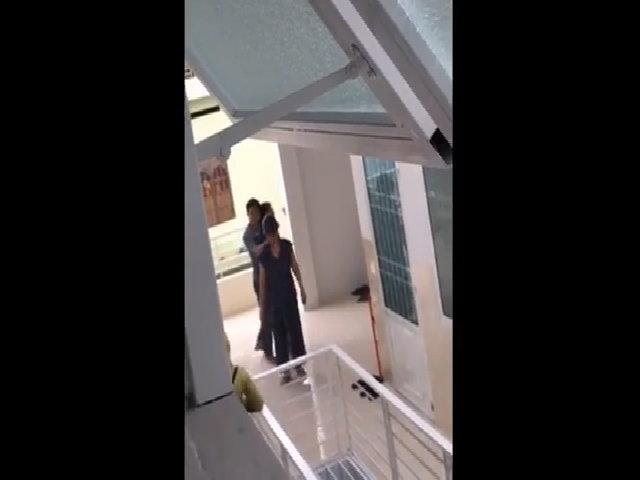 Thanh niên cầm dao kề cổ con tin ở Nha Trang