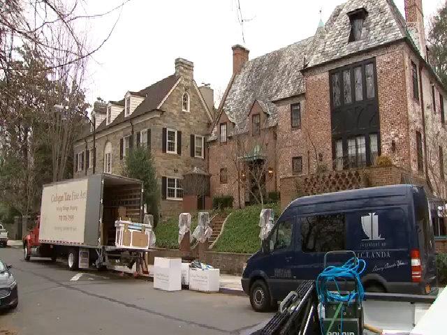 Gia đình Obama chuyển đồ về nhà mới