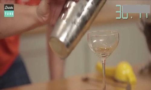 60 giây làm nước cocktail tươi mát đón tết