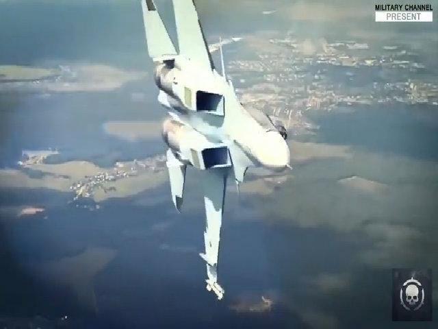 Su-35 Nga thể hiện khả năng cơ động
