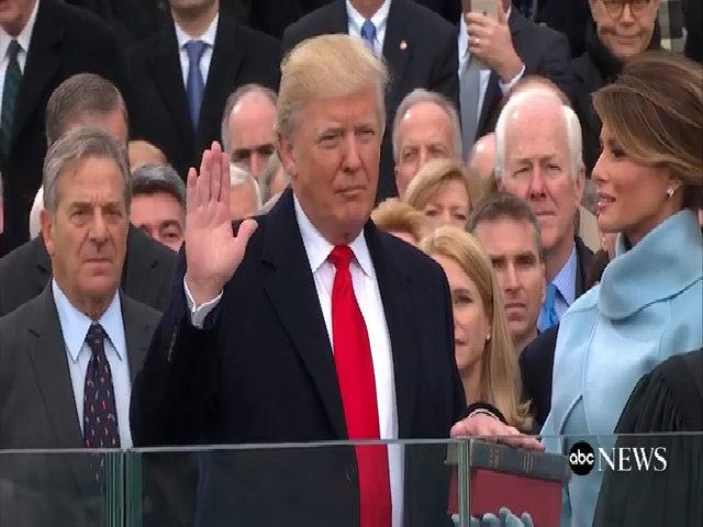 Donald Trump tuyên thệ nhậm chức