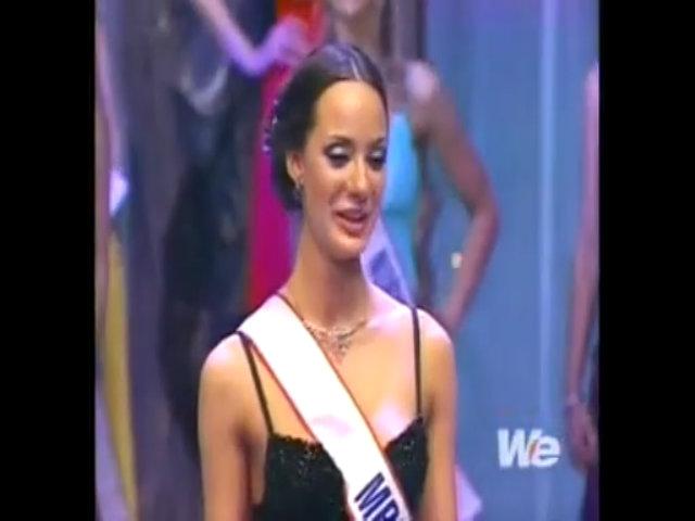 Tình huống trao nhầm vương miện tại Hoa hậu Quý bà Thế giới 2006