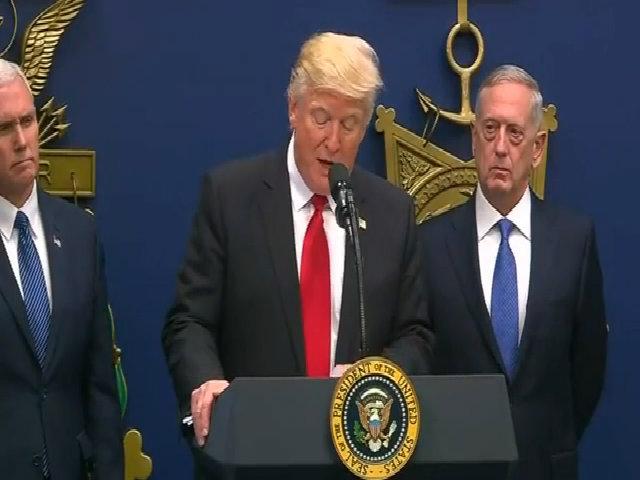 Trump thông báo về sắc lệnh cấm nhập cảnh