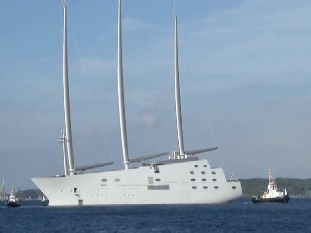 Siêu du thuyền hơn 400 triệu USD được bàn giao cho tỷ phú Nga