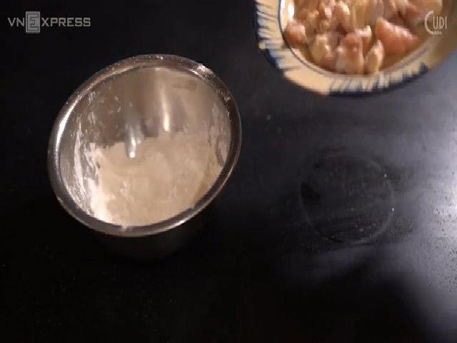 Thực đơn sụn gà rang muối mặn mà cho ngày lạnh (done)