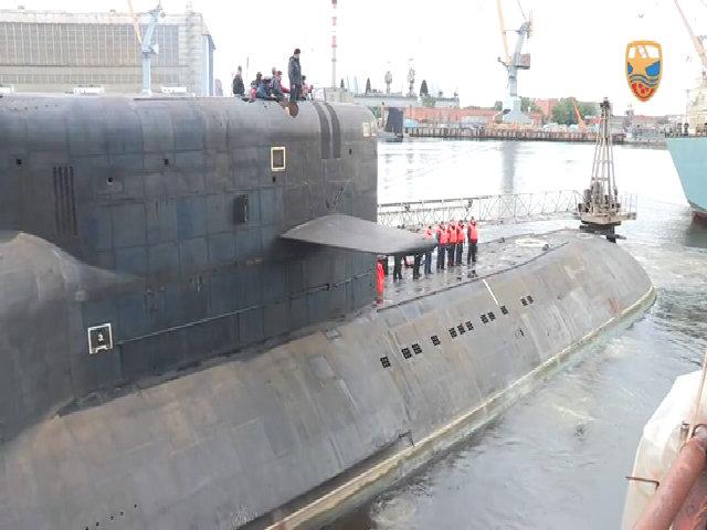 Vụ va chạm như phim hành động của tàu ngầm Nga, Mỹ