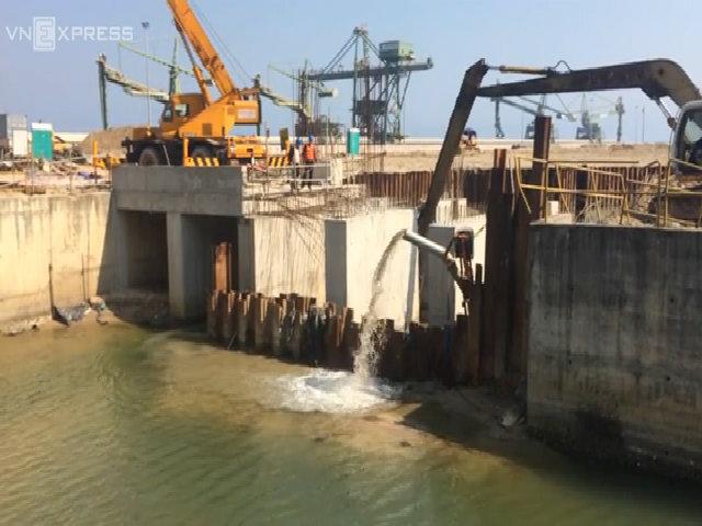 Hà Tĩnh kiểm tra hệ thống cống xả thải của Formosa