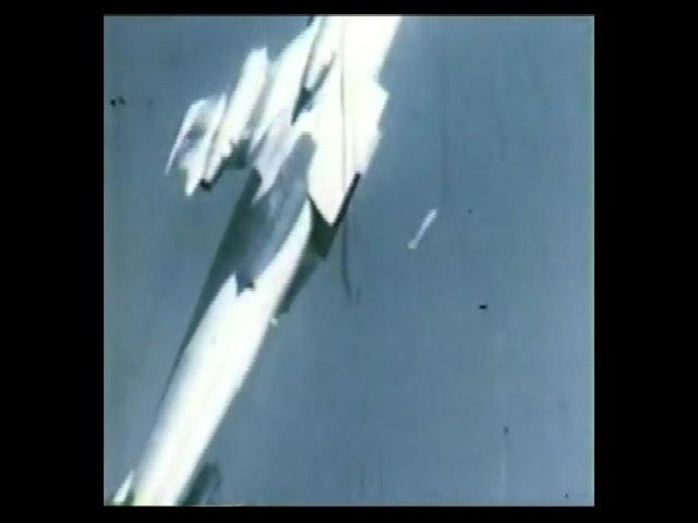 Kỹ thuật ném bom hạt nhân ngược đời của phi công Mỹ