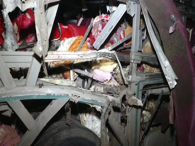 Nổ xe khách trong đêm 14 người thương vong