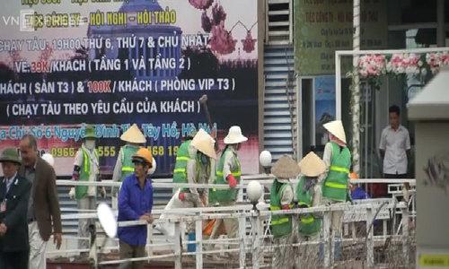 Hà Nội tiến hành tháo dỡ nhà nổi trên Hồ Tây