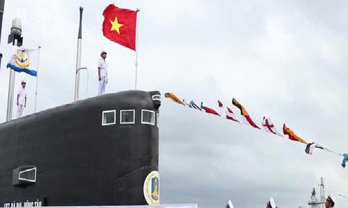Thượng cờ hai tầm ngầm kilo Đà Nẵng và Bà Rịa Vũng Tàu