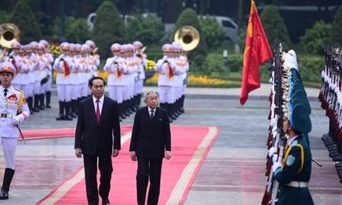 Chủ tịch nước đón nhà vua và hoàng hậu Nhật Bản tại Phủ chủ tịch