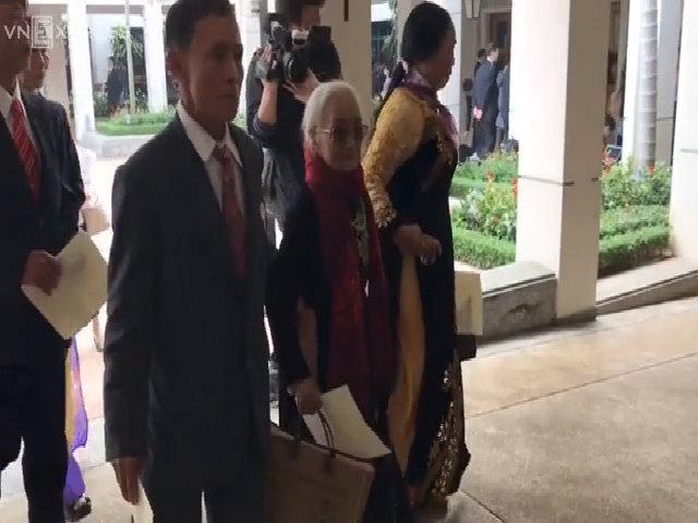 Nhật hoàng và Hoàng hậu gặp gia đình các cựu binh Nhật
