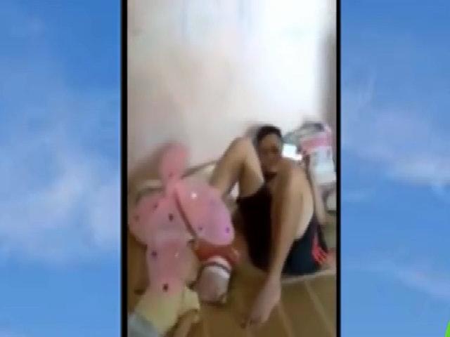 Bồ dùng chân làm đồ chơi cho con