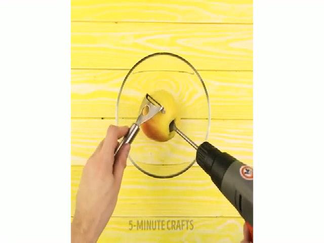 Cắt vỏ táo siêu nhanh
