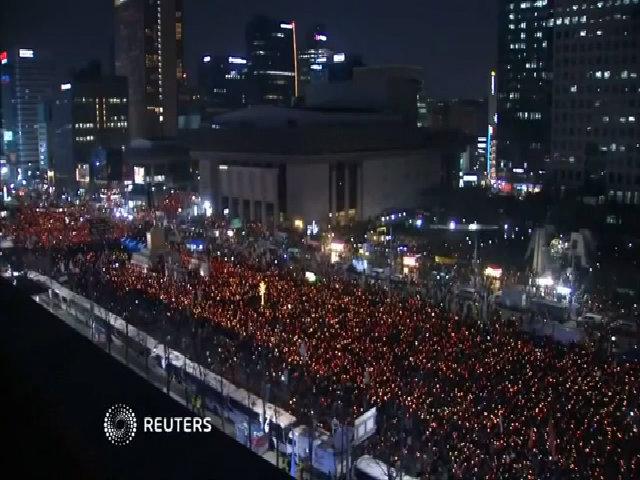 Biểu tình đòi Tổng thống Hàn Park Geun-hye từ chức