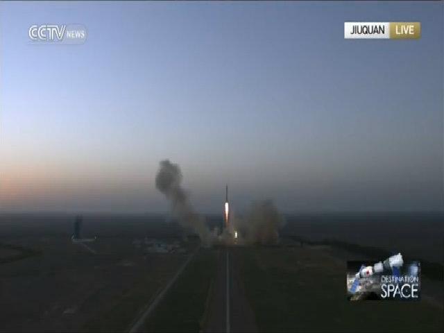 Trung Quốc phát triển tàu vũ trụ đưa người lên Mặt Trang