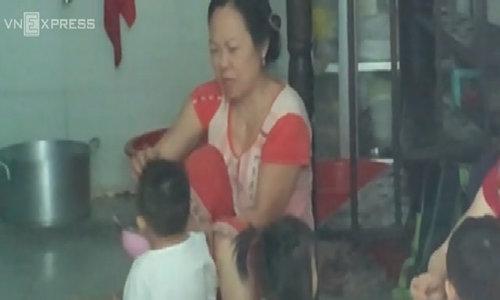 Nhiều bé tại điểm giữ trẻ ở Sài Gòn bị đánh đập - Video embed - VnExpress