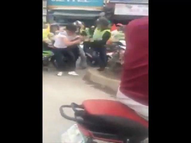 Nhóm phượt thủ đánh người vì bị nhắc nẹt pô to