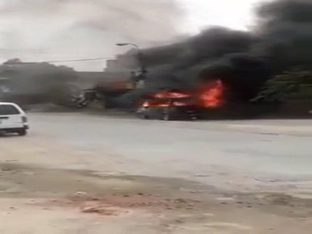 Xe tập lái cháy trơ khung khi đang đỗ ven đường