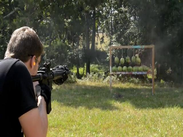 AR-15 - mẫu súng trường được dân Mỹ yêu thích