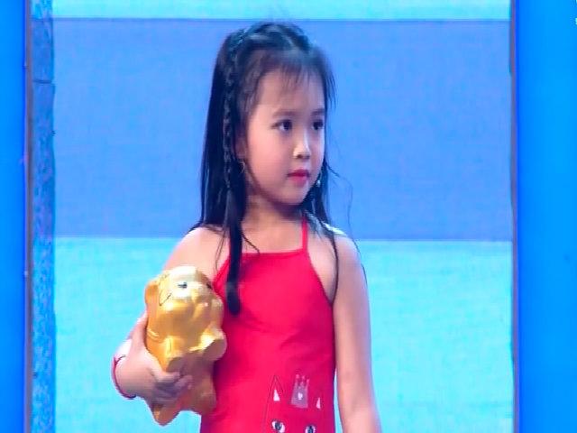 Bé gái 5 tuổi hát chế 'Người ấy' khiến Trấn Thành và Trịnh Thăng Bình  không thể nhịn cười