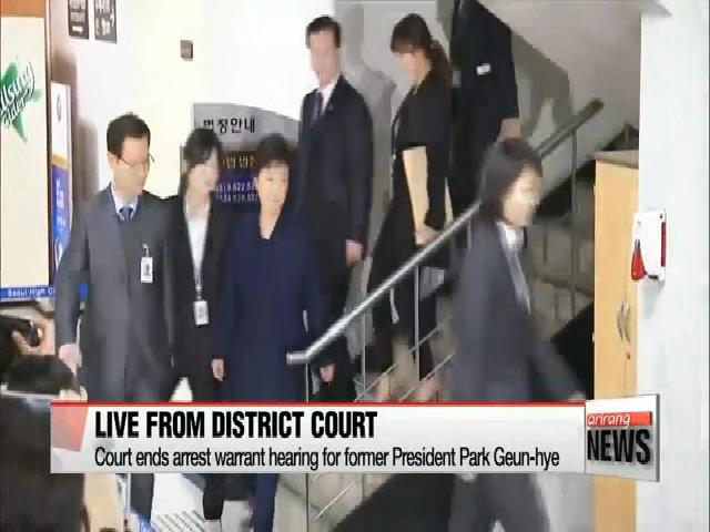 Cựu tổng thống Hàn Park Geun-hye được đưa đến trung tâm giam giữ