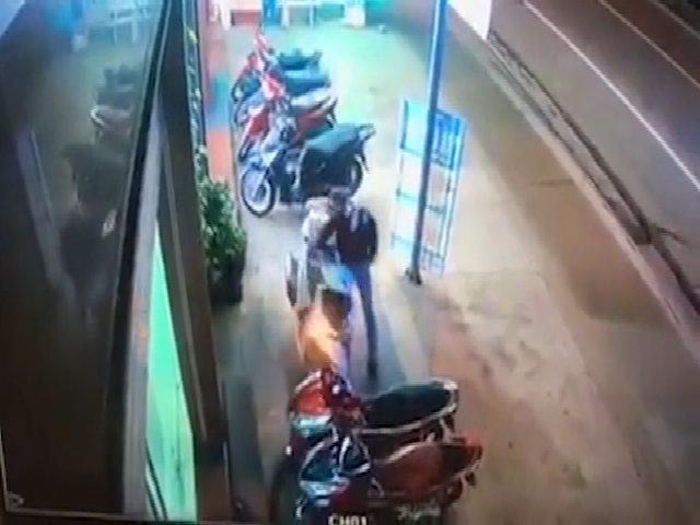 Tên trộm bẻ khóa xe SH trong 3 giây