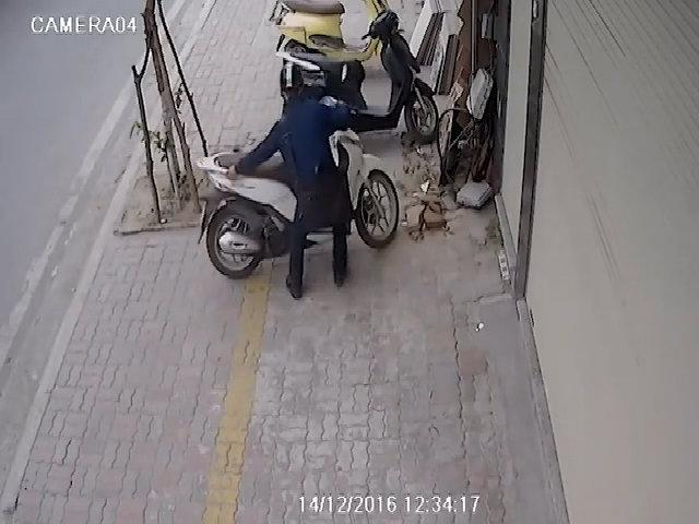 Thanh niên bảnh bao trộm xe SH ở Hà Nội